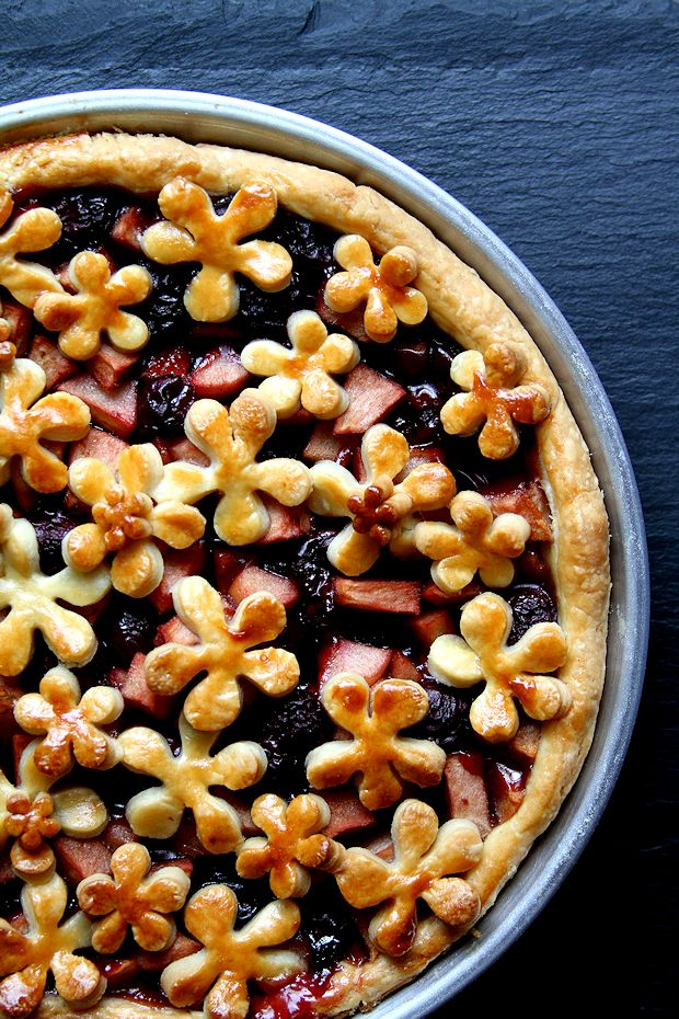 Apple Pie with Whiskey-Soaked Tart Cherries – A Cup of Sugar … A ...