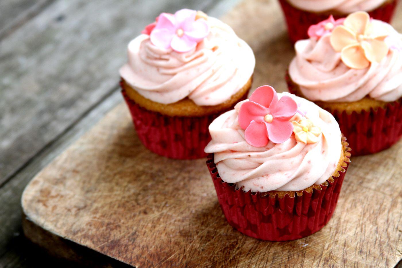 StrawberryShortcakeCupcakes-medium2