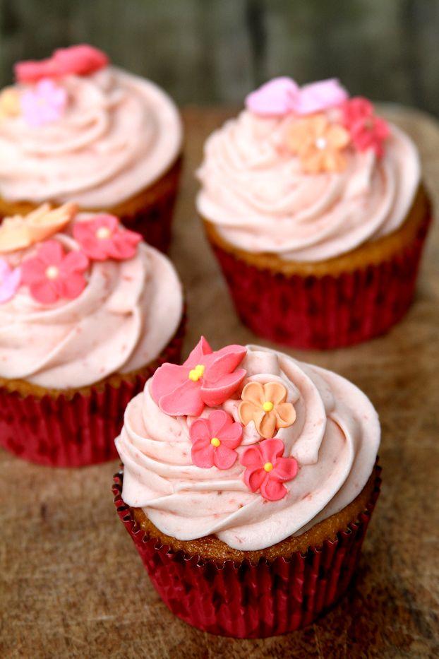 StrawberryShortcakeCupcakes-medium3
