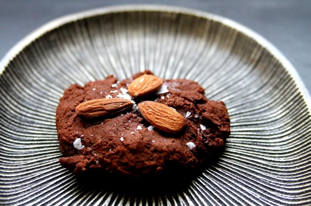 SaltedAlmondChocolateBites-medium1