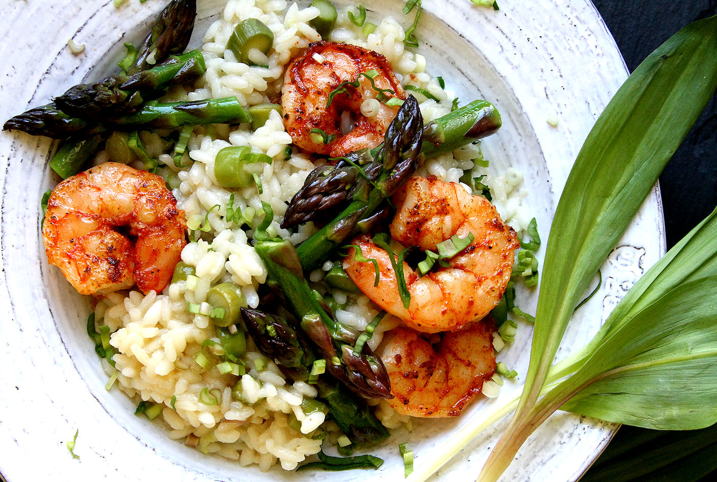Asparagus and wild garlic risotto with spicy shrimp a for Spicy prawn risotto