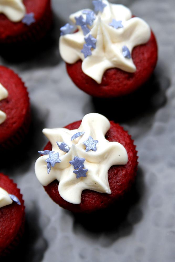 PatrioticRedVelvetMiniCupcakes-medium8