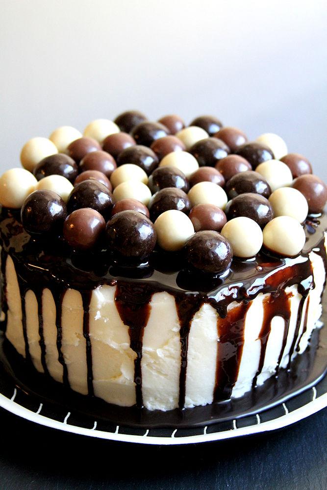 doublechocolatecoconutmaltballcake-medium4