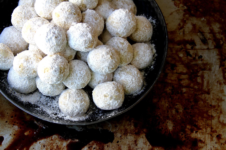 Vanilla Almond Snowballs A Cup Of Sugar A Pinch Of Salt